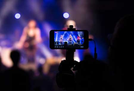 3 Reasons Citing Live Streaming as the Emerging Marketing Means